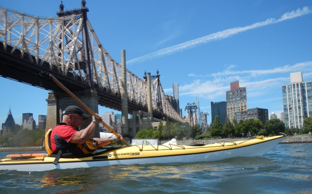 12:47 Passing under the 59th Street Bridge (and tram to Roosevelt Island)